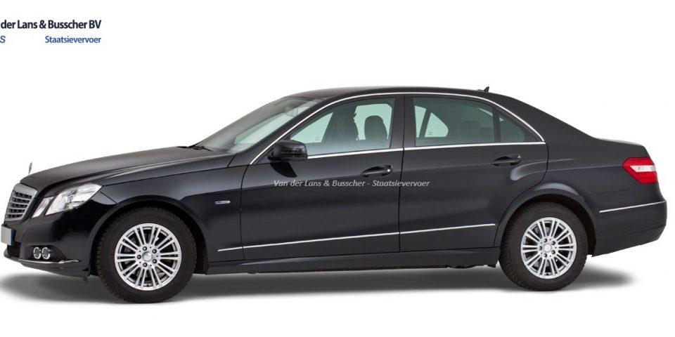 Mercedes zwart – 4 Persoons Volgauto