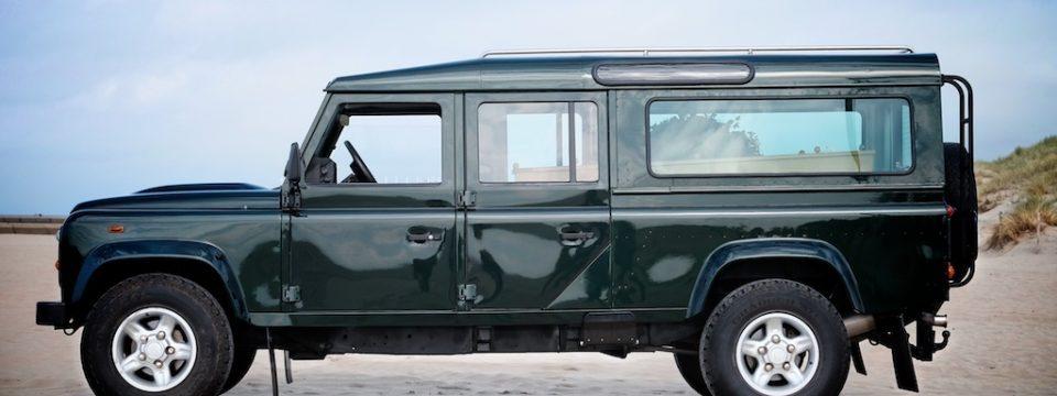 Land Rover Defender Rouwauto