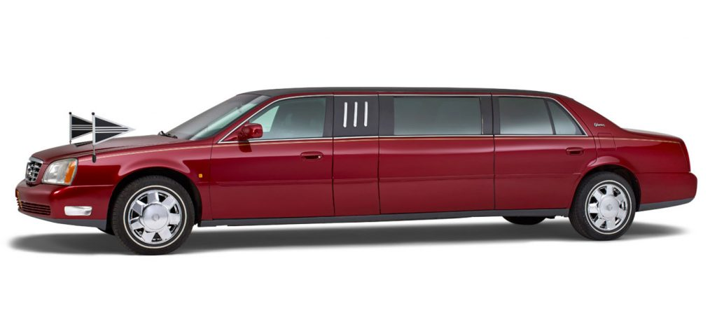 Cadillac-rood-7-persoons-volgauto