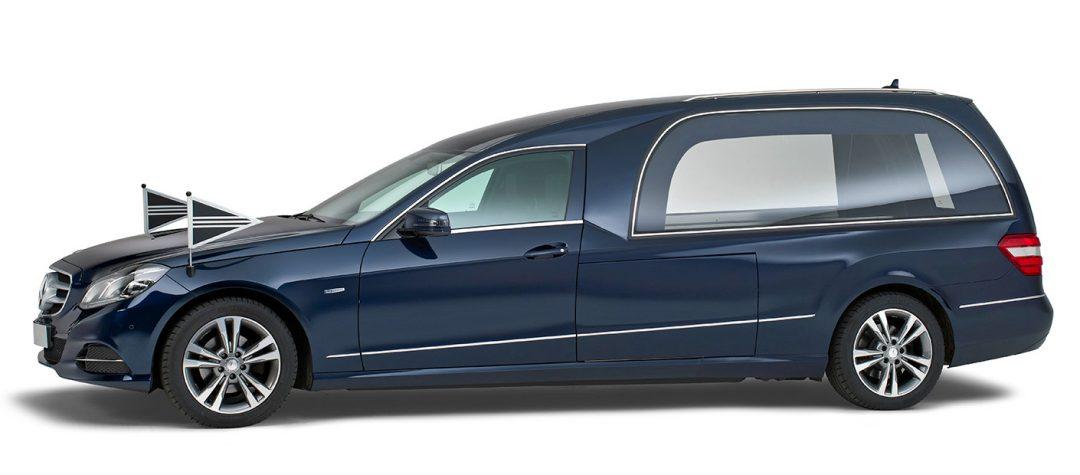 Mercedes-blauw-Glas-rouwauto