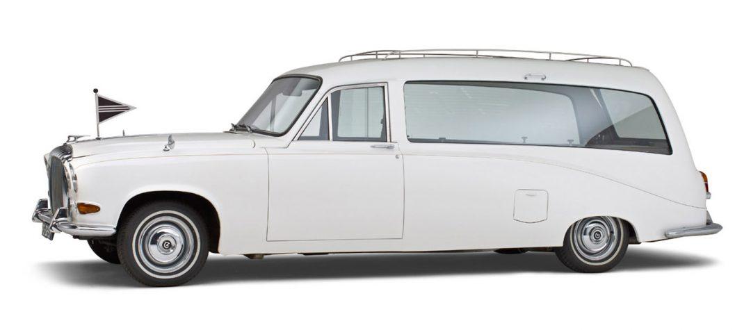 Daimler-wit-glas-rouwauto