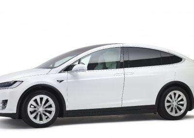 Tesla-Model-X-volgauto-wit-001