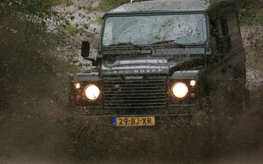 De laatste rit… met de Land Rover Rouwauto